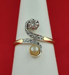 "1900's ""Toi et Moi"" Diamond & Natural Pearl set on 18K Gold Ring - Great Condition"