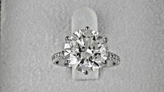 IGL 5.71 Ct round diamond ring made of 14 kt white gold - size 6