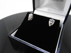 18k Gold Pear Diamond SolitaireEearrings - 1.40ct I, VS2