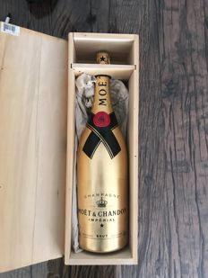 Moët & Chandon Brut Imperial, Limited Edition bottle covered with gold leaf - jeroboam 3 liters in OWC