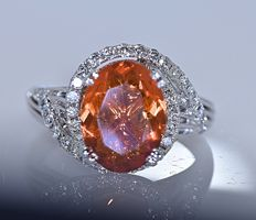 Fire Opal with Diamonds ring - Size: 15 - No reserve price!