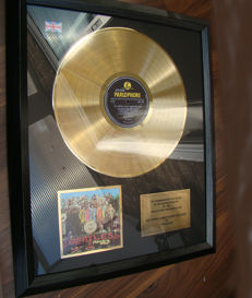 """The Beatles 24ct gold award """"sgt pepper's lonely hearts club band"""" Stunning"""