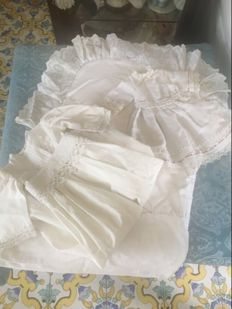 Antique lot for dolls - 2 dresses and a mattress cover - France