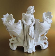 Biscuit porcelain - Art Nouveau planter - Young lady surrounded by flowers