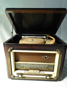 Valve radio with record player from 50s - Eraux France