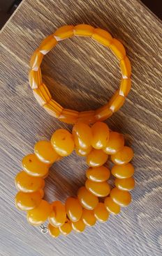 Set of vintage Baltic Amber necklace & bracelet, 90.2 grams