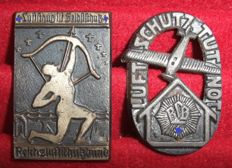 Germany Third Reich. Two badges of the Reichsbund air raid (RLB)