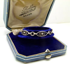 "Detailed 1900s ""breloque"" childs bracelet in solid silver, handmade"