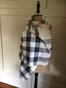 Lot 1 - Burberry - scarf - original – large model! 100% silk and 2, a scarf of cotton by Burberry.