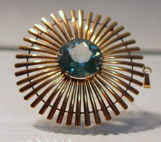 Brooch, pendant with 20 carat artificial stone