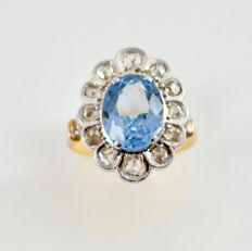 Vintage ring in platinum and gold From the 50s.