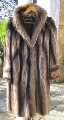 Superb long haute couture fur coat in full-skin marmot.