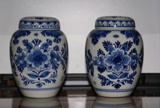 Porceleyne Fles - Two lidded vases