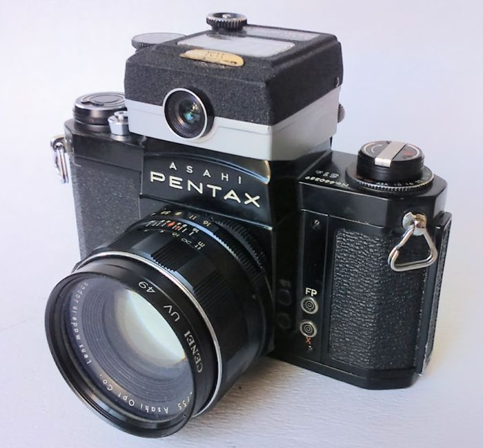 Asahi Pentax SV 35mm Film SLR Camera with Top Meter K3 - Super Tacumar 55mm lens - UV-filter, lens cap and camera bag.