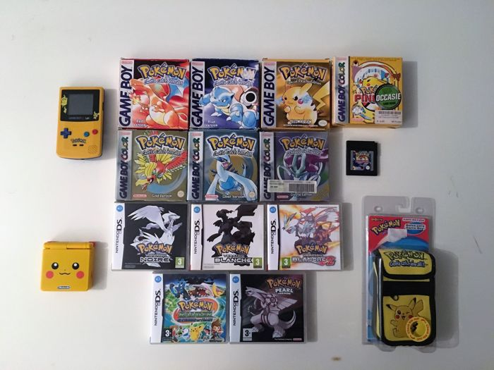 Game Boy Color console Pikachu edition + Pikachu case + pokemon gold, silver, yellow, blue and trading card game + manuals