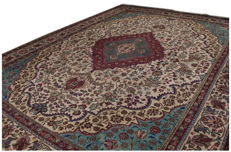 3898 Tapis Teppich Alfombra Rug Tapjet Farsh HALI. Hand-made carpet, dimensions: 387 x 296 cm. With Certificate of authenticity signed by an official appraiser – (Galleriafarah1970)