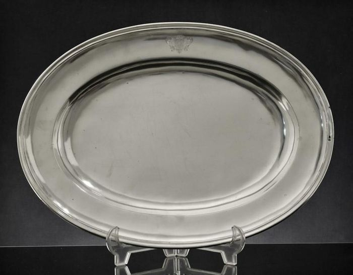 A serving plate in silver - oval shape - Portugal - 19th/20th century
