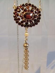 Silver necklace with garnet roses