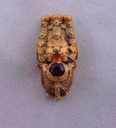 Small antique Thali from early 20th century, South India – 20 kt gold with red vitreous paste