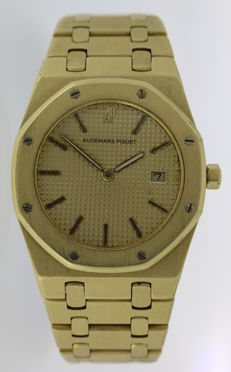 Audemars Piguet Royal Oak Date 33mm - Gold Men's watch