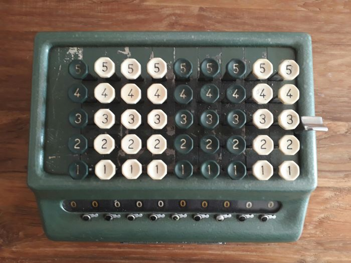 Mechanical calculator - Bell Punch Company - Plus- model 509/C/ Made in Great Britain
