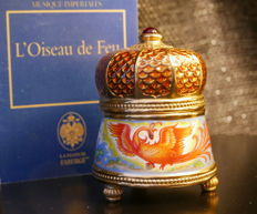 "House of Fabergé - Music box ""L'oiseau de feu"" in porcelain gold plated finish  24 k - Collection ""The Imperial Music Box"""