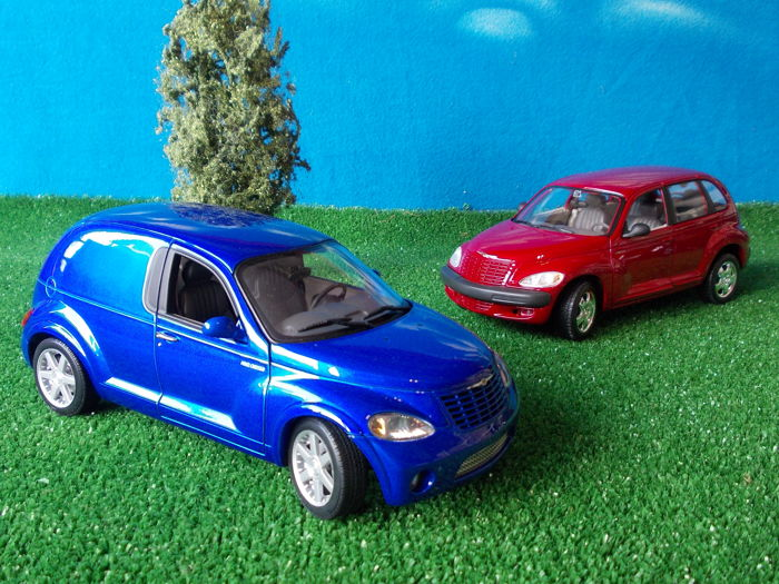 AUTOart / Maisto - Scale 1/18 - Chrysler PT Panel Cruiser & Chrysler PT Cruiser