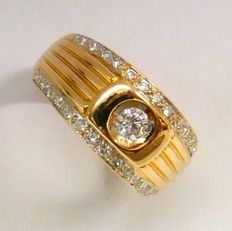 18 kt gold ring with diamonds, ring size 20.0 mm (US10.5)