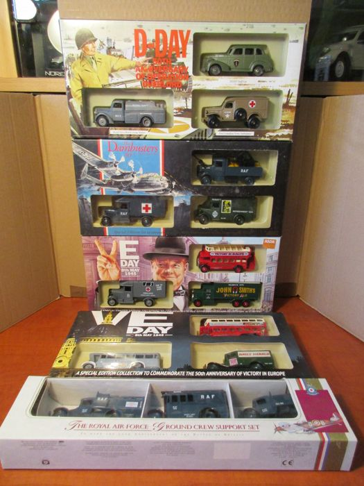 Corgi / Lledo / Days gone - Scale 1/55 - 5 sets with each 3 military vehicles
