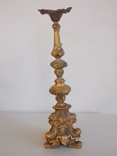 Antique gilt bronze candlestick with paw feet  laminate base - Italy, late 19th century
