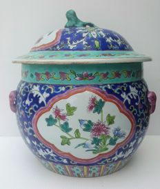 Porcelain pot with lid/bowl of 21cm high - China - 19th century
