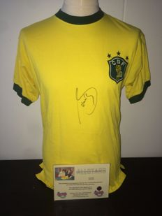 Sócrates Signed Brazil World Cup 1982 shirt + COA inc Photoproof.