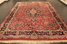 A royal handwoven Persian carpet with rose/flower pattern Mesched Meshed 250 x 350 cm made in Iran