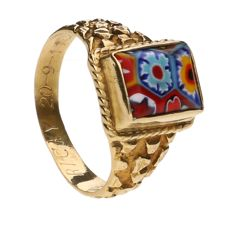Antique yellow gold ring set with Murano glass – early 20th century