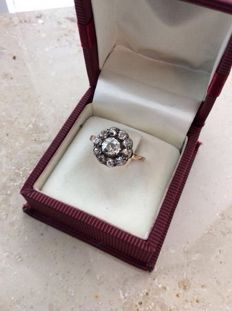 Antique ring with 1 ct diamonds approx. 18 JH