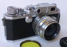Canon IVsb rangefinder Camera Leica Screw Mount with Canon Serenar 50mm lens f = 1.8 - yellow filter and lens cap.
