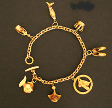Women's bracelet with charms