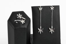 Butterfly set made from 18 kt white gold and diamonds: earrings length diamonds 0.09 ct 5 cm, contrary ring 0.05 ct - size 15