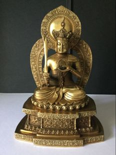 Representation of the Bodhisattva Akashagarbha in gilded copper - China/Japan - End of 20th century.