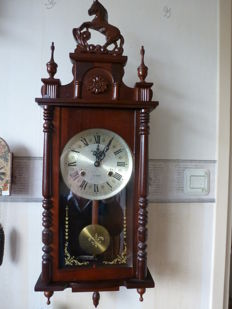 Horse regulator clock – Mahogany – 1960s to 1970s