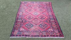 Old Persian hand-knotted rug, note! No minimum price, bidding starts at €1.