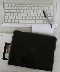 Apple wireless keyboard, stylus and protective case