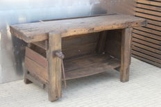 Old workbench with vice