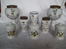 """Eight flawless old pharmacists pots of which 5 are marked """"Caron BV Pharmaceutische grossier"""""""