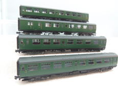 Bachmann N - 374-430/440/450/460 - 4 Bulleid 63ft coaches van de BR