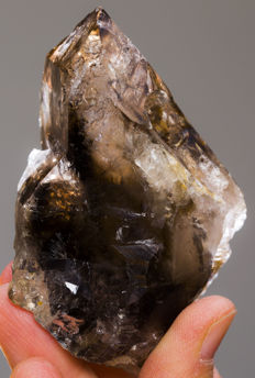Window smoky quartz from Brazil - 88 x 73 x 55 mm - 198 gm
