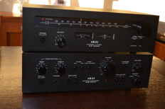 Akai amplifier AM2200 and tuner AT2200
