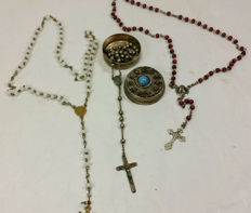 Three antique rosaries from the first half of the 20th century - Italy
