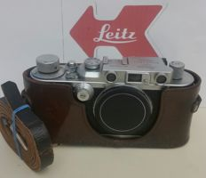 Leica llla Camera Body 1938  w.Leica Halfcase, TOP Healthy!