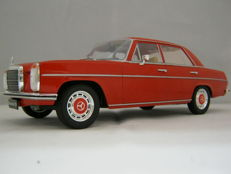Modelcar Group - Scale 1/18 - Mercedes-Benz 220 Red